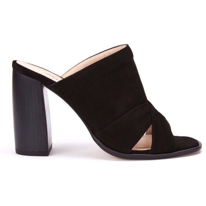 bd7f96fbd33b Klapki damskie eleganckie - wyjątkowe obuwie -eleganckie - APIA