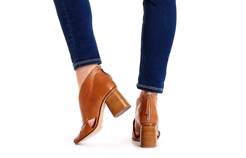 brązowe sandały botki na słupkowym obcasie APIA Minoza