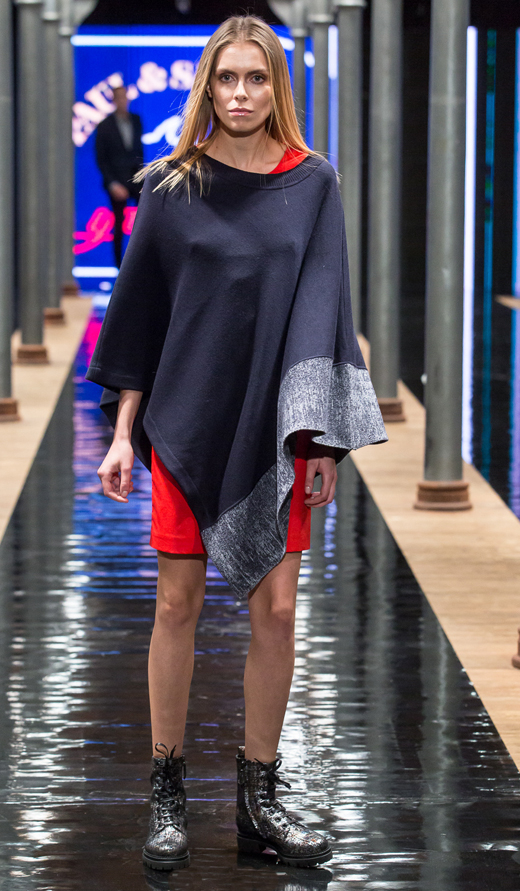 glany APIA Nando Muzi sukienka ponczo Paul&Shark