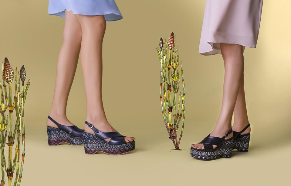 sandały na koturnie APIA Gojo