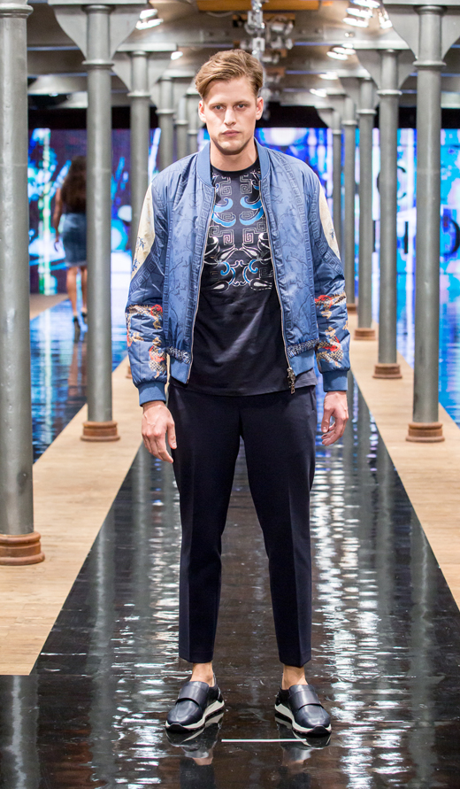 sneakersy APIA Alberto Guardiani spodnie kurtka Versace